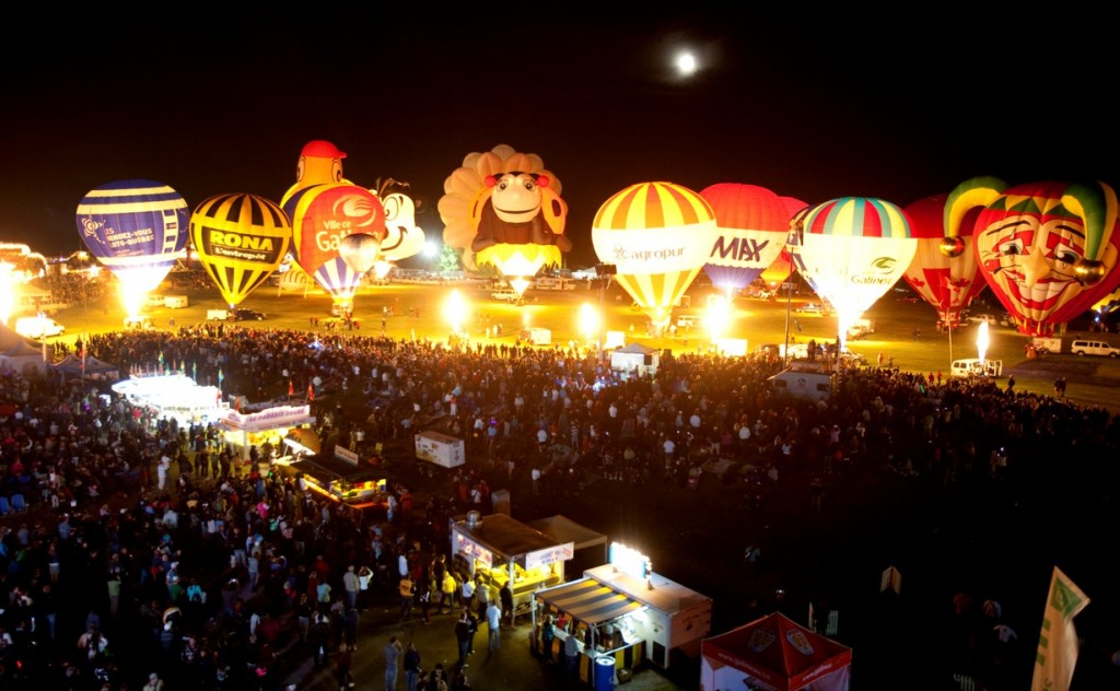 Gatineau Balloon Festival by night