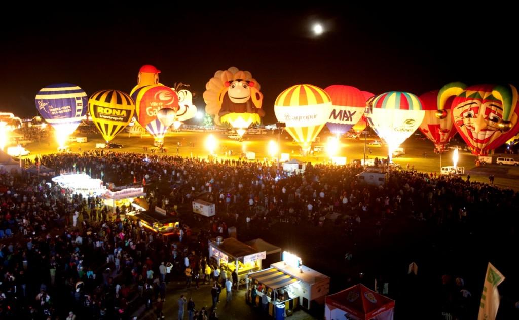 Gatineau Balloon Festival by night